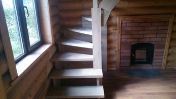 Деревянная лестница (фото 06)