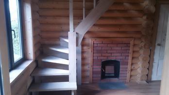 Деревянная лестница (фото 11)