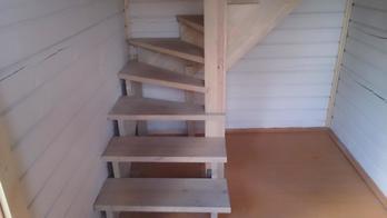 Деревянная лестница (фото 12)