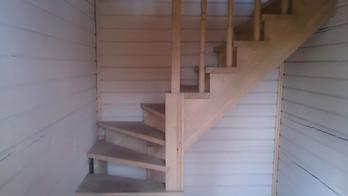 Деревянная лестница (фото 13)