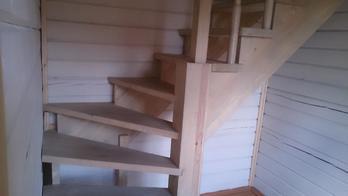Деревянная лестница (фото 15)