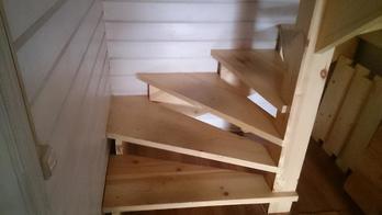 Деревянная лестница (фото 17)