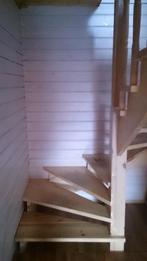 Деревянная лестница (фото 19)