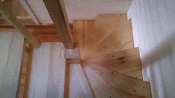 Деревянная лестница (фото 22)
