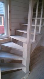 Деревянная лестница (фото 26)
