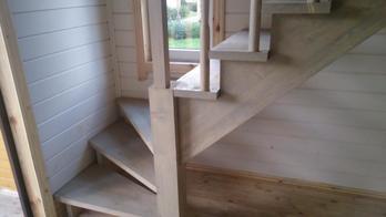 Деревянная лестница (фото 27)