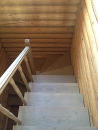 Деревянная лестница (фото 35)