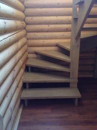 Деревянная лестница (фото 36)