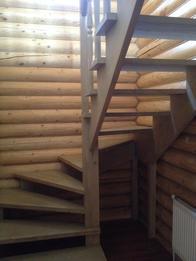 Деревянная лестница (фото 37)