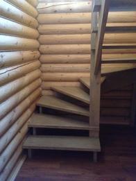 Деревянная лестница (фото 38)