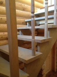 Деревянная лестница (фото 39)