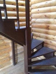 Деревянная лестница (фото 41)