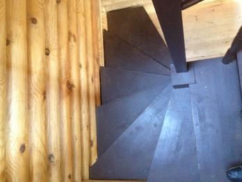 Деревянная лестница (фото 44)