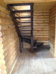 Деревянная лестница (фото 45)