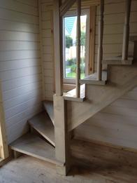 Деревянная лестница (фото 48)